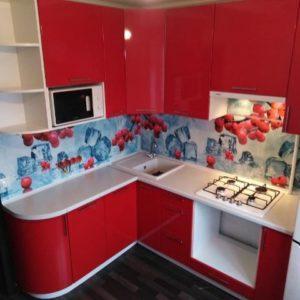 Красно-белая кухня угловая омск