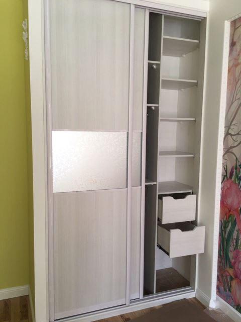 Светлый шкаф под заказ в омской области