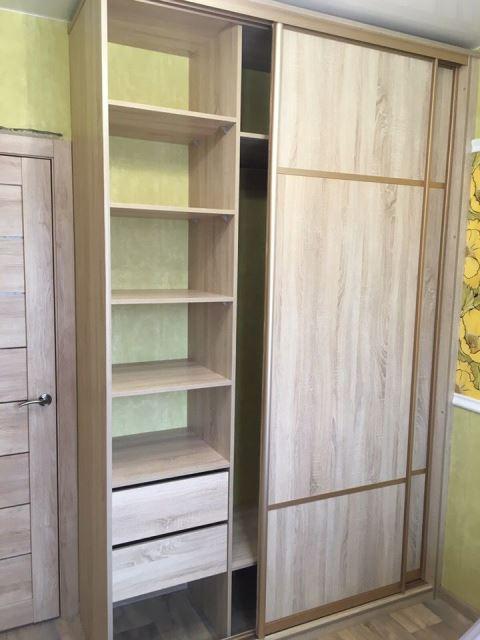 Шкаф-купе светлый гардероб