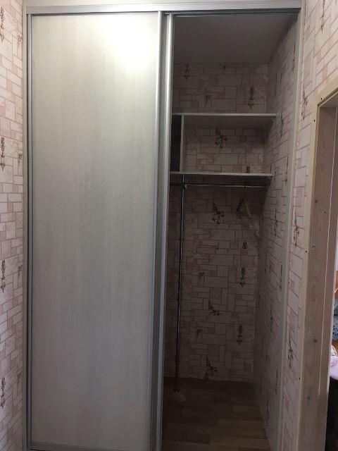 Светлый шкаф-купе маленького размера недорого