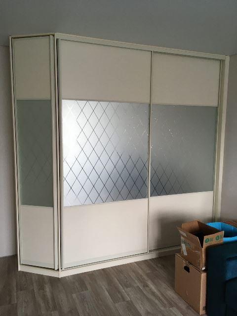 шкаф-купе в омске светлый